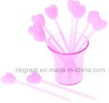 Dimensión de una variable rosada encantadora del corazón del amor, y el conejo en la dimensión de una variable de una fork de la fruta