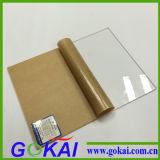Feuille claire et colorée transparente de plexiglass