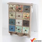 Governo di parete di legno del portello decorativo antico della maglia con gli ami