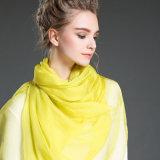 Scarves de seda da cor lisa no verão