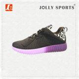 Спорты сбываний нового способа горячие ботинки людей женщин