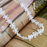 Collana bianca del Choker dei fiori del Crochet del merletto Handmade alla moda del filetto piccola