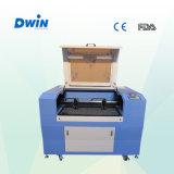 Máquina de gravura pequena do laser 40W do CO2 para o vidro da madeira da etiqueta