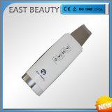 O líquido de limpeza ultra-sônico da pele absorve o equipamento cosmético da beleza do purificador