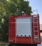 二重乗組員4X2 8000Lの水漕2000 L泡タンク消防車のトラック