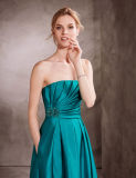 Drapiertes Mieder-Aufflackern-Abend-Kleid mit Edelstein-Stickerei verziert die Seite der Taille