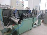 Flexibles Abgas-Rohr, das Maschine herstellt