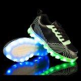 2016 pattini respirabili chiari di sport di modo LED per gli uomini