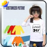 De gezuiverde Katoenen T-shirts van Kinderen met de Aangepaste Kleur van het Embleem