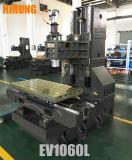 縦のマシニングセンター、縦のフライス盤(EV1060L)を製粉する高精度の金属