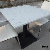 人工的な水晶石の大理石の上のダイニングテーブル