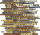 壁の背景のためのストリップのガラスモザイクそして石の大理石