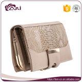 Бумажник розового способа людской кожаный для женщин