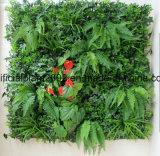 Decorazione verticale artificiale di caduta della parete del comitato dell'erba delle piante verdi