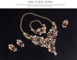 Bijou réglé de boucles d'oreille de collier de PCS de bijou de la mode en cristal réglée Exaggerated 4 de perle