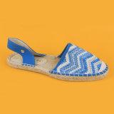 Женщины белые и голубые Espadrilles Великобритании сандалий вязания крючком