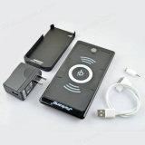 Qi는 2가지의 방법 무선 비용을 부과 USB 패드 힘 은행을 검게 한다