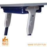 Nuevos escritorio y sillas (aluminuim ajustable) de la universidad del diseño