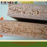 18mmの食器棚のための木の穀物のMlelamineの削片板かChipboard