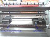 Etiqueta tejida del buen funcionamiento que lamina rajando la máquina el rebobinar