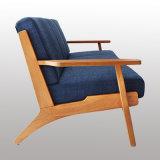 Sofá novo da madeira da mobília da sala de visitas do projeto