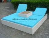 Lounger esterno del Chaise della base di Sun del doppio della mobilia del nuovo di disegno rattan del giardino (YTF552)
