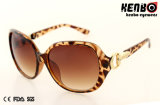 Nuovo Design Fashion Plastic Sunglasses con Nice Hinge Kp50855
