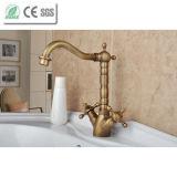Robinet en laiton de prise de mélangeur de bassin de salle de bains d'antiquité de traitement de croix de Dule (QH1711A)