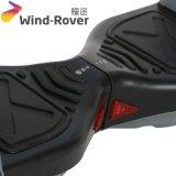 風の粗紡機V2のEのスクーターのバランスをとっている小型電気バイク2の車輪の自己
