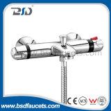 Misturador termostático de bronze do chuveiro do cromo com tomada superior