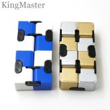 Il cubo magico gioca il cubo di Plastica-Magia per i capretti