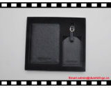 Оптовые верхние кожаный комплекты подарка с коробками продают держатель пасспорта и бирку оптом Lugguge