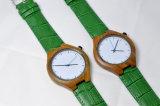 Montre en bois de bracelet vert de cuir véritable