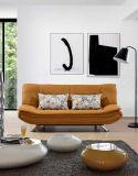Gepolstertes Sofa-Bett mit den Metallchrom-Beinen