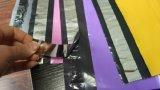 La bolsa de plástico colorida de encargo con el sello de la hebra