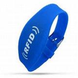 Wristband poco costoso del silicone di RFID personalizzato commercio all'ingrosso