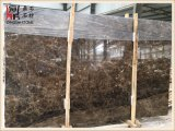 Bancadas de mármore escuras da cozinha das lajes de Emperador