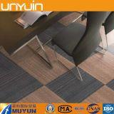 Mattonelle di pavimento comode del vinile del PVC del grano della moquette