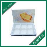 Boîte de empaquetage blanche à chocolat avec des garnitures intérieures