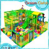 O melhor preço caçoa equipamentos internos plásticos do campo de jogos dos miúdos elétricos internos do brinquedo do campo de jogos