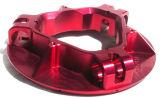 CNC che lavora i pezzi di ricambio alla macchina per le parti del motociclo