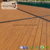 WPC hölzerner zusammengesetzter Decking-Plastikfußboden mit hölzerner Korn-Beschaffenheit