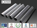 Rundes Aluminiumrohr und Gefäß