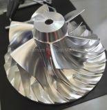 Pezzo meccanico CNC con precisione che lavora, macinante e girante