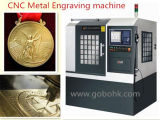 Centro fazendo à máquina do CNC para a gravura do metal