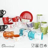 Tasse de café anglaise d'impression de lettre avec la couleur de tonalité 2