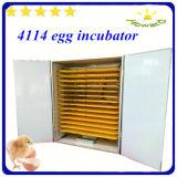 Hhd 4114個の卵の大きい容量の自動鶏の卵の定温器の卵