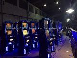 Управляемый монеткой шкаф видеоигры машины игры шлица