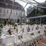 Grande tente claire de mariage de toit