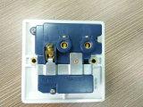 Hete Verkoop! ! Dubbele 3-voeten van Square Electrical 13 AMPÈRE Switched Socket met USB